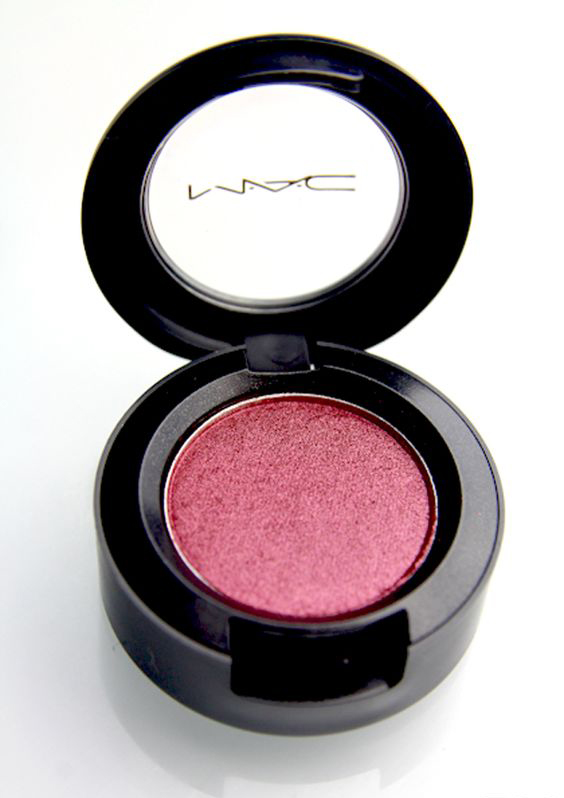 Cranberry Eyeshadow: Max Made » COLOUR MY WORLD: THE POWER OF COLOUR THERAPY